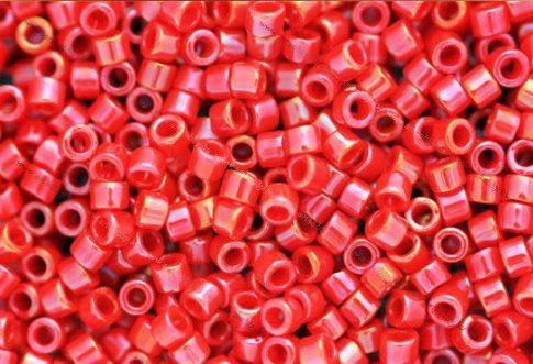 Delica gyöngy 11/0, DB0214, telt fényes piros AB, 4g