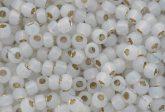 Japán kása 6/0, aranyközepű opál fehér, 10g