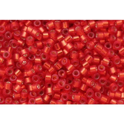 Delica gyöngy 11/0, DB0683, fél-matt ezüst közepű rubint piros, 4g
