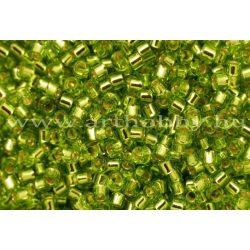 Delica gyöngy 11/0, DB1206, ezüstközepű lime zöld, 4g