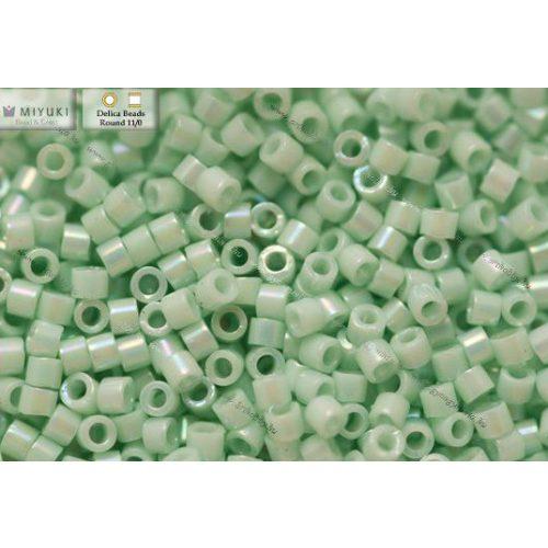 Delica gyöngy 11/0, DB1506, telt világos menta AB, 4g