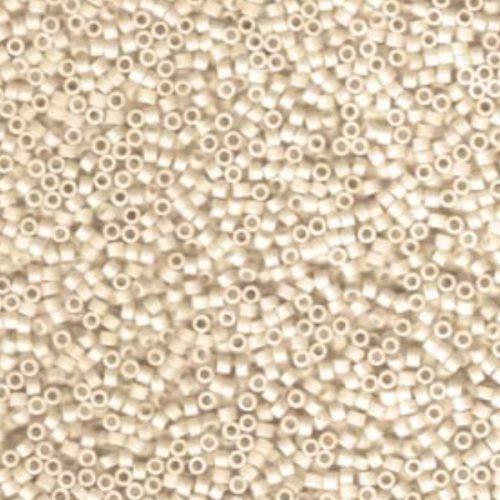 Delica gyöngy 11/0, DB1591, matt telt körte AB, 4g