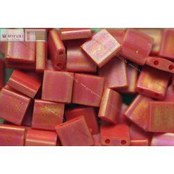 Miyuki TILA gyöngy, matt telt piros, 30 db