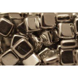 Kétlyukú négyzet, fényes ezüst, 25 db
