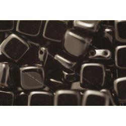 Kétlyukú négyzet, telt fekete, 25 db